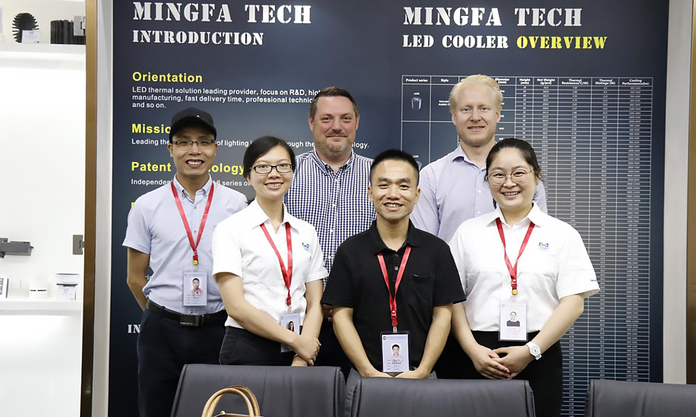 Mingfa Tech-Welcome European Distributors To Visit Mingfa Optoelectronics-1