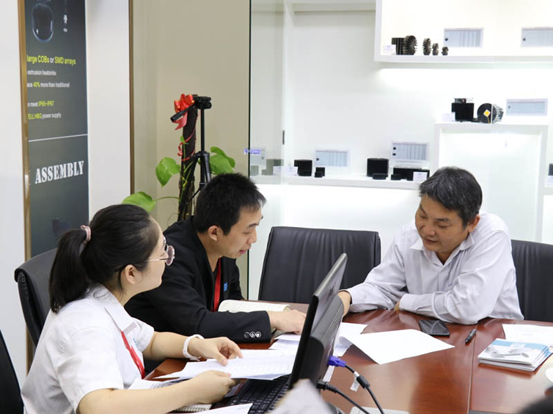 Mingfa Tech-Welcome Rise Lighting To Visit Our Company And Discuss business-1